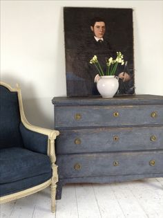 ANTON & K COTSWOLDS: Gustavian Chest & French chair