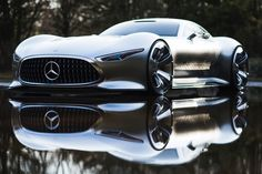 The sports car proportions that are a typical Mercedes-Benz feature have been reinterpreted for the Mercedes-Benz AMG Vision Gran Turismo.