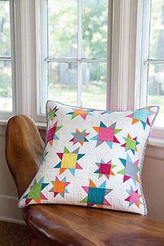 This modern pillow features the Sawtooth Star quilt block arranged seemingly without a pattern. For help getting started, check out our free video tutorial on how to make the Sawtooth Star quilt block. Digital pattern available. Patch Quilt, Quilt Blocks, Patchwork Cushion, Quilted Pillow, Small Quilts, Mini Quilts, Modern Pillows, Decorative Pillows, Quilting Projects
