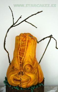 Ray Villafane carved Pumpkin Monster cake