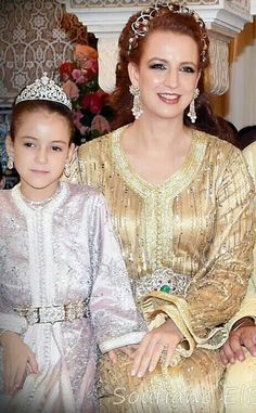 Princess Lalla khadija of Morocco and her mother, Princess Lalla Salma Royal Crowns, Royal Tiaras, Tiaras And Crowns, Royal Prince, Prince And Princess, Lalla Salma, Royal Wedding Gowns, Moroccan Caftan, Royal Jewelry