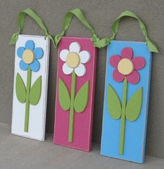 Hanging DAISY for Spring Summer girl wall room and by lisabees Bee Crafts, Easter Crafts, Crafts To Sell, Small Wood Projects, Craft Projects, Vinyl Projects, 4x4 Wood Crafts, Wood Craft Patterns, Wood Flowers