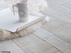 Avec son aspect à l'ancienne, le parquet blanchi est pourtant ultra tendance. On vous explique...
