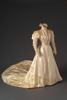Circa 1900 wedding dress from the Mode Museum