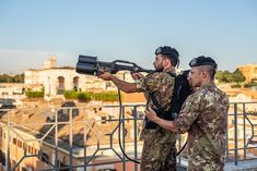 """Italian Army - 17th Anti-aircraft Artillery Regiment """"Sforzesca"""" troops with CPM-Drone Jammer - Unmanned aerial vehicle - Wikipedia Italian Army, Troops, Aircraft, Military, Vehicles, Law, Aviation, Car, Planes"""