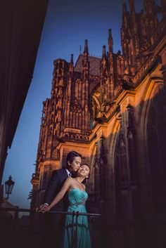 A pre wedding portrait captured in Prague by Kurt Vinion (USA). Prague is the best pre-wedding destination in Europe Destination Wedding Locations, Unique Wedding Venues, Prague Castle, Wedding Planning Tips, Wedding Portraits, Europe, Romantic, Poses, Usa