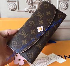 Louis Vuitton Handbags Black, Louis Vuitton Sarah Wallet, Louis Vuitton Monogram, Louis Vuitton Damier, Designer Wallets, Vuitton Bag, Handbags Online, Bloom, Flower