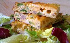 Frittata zucchine e salsiccia, ricetta. http://blog.giallozafferano.it/oya/frittata-zucchine-e-salsiccia-ricetta/