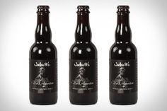 Cerveja Jackie O's Dark Apparition, estilo Russian Imperial Stout, produzida por Jackie O's Pub & Brewery, Estados Unidos. 10% ABV de álcool.