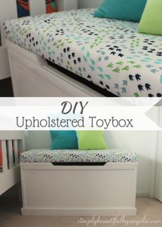 Diy storage 561824122243991108 - Simply Beautiful By Angela: DIY Upholstered Toybox for Cheap Source by sbbyangela Wooden Toy Chest, Wooden Toy Boxes, Diy Toy Box, Diy Toy Storage, Storage Ideas, Do It Yourself Baby, Diy Rangement, Diy Bebe, Toy Rooms