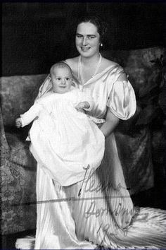 Princess Ileana of Romania Gallery / Princess Ileana of Romania and Prince Dominic 1938 Signed Postcard Queen Victoria Family, Princess Victoria, Princess Beatrice, Prince And Princess, Romanian Royal Family, Royal Beauty, Young Prince, Historical Women, Casa Real