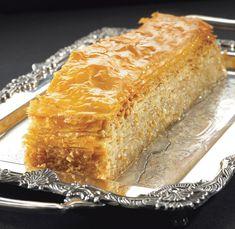 Ο µπακλαβάς της Γέρας Greek Sweets, Greek Desserts, Greek Recipes, Vegan Desserts, Easy Desserts, Sweets Recipes, Baking Recipes, Baklava Recipe, Baklava Cheesecake