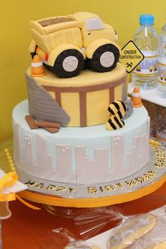 Construction party, Maybe Aiden's Birthday, Ranee could so make this cake for him. Construction Birthday Parties, Construction Party, Pretty Cakes, Cute Cakes, Dump Truck Cakes, Ice Cake, Cakes For Boys, Boy Cakes, Occasion Cakes