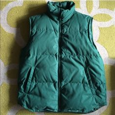 Eddie Bauer Puffer Vest Gorgeous Forest green puffer vest that is so warm and comfortable. EUC Eddie Bauer Jackets & Coats Vests