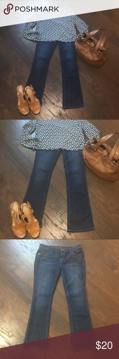 """Simply Vera Vera Wang Bootcut Jeans 10P EUC. Only worn a couple times. 10P, 28"""" inseam. Cleaning closets.   I dry clean all my clothes and they are all in excellent condition unless otherwise stated.   #JEWELRY #POSHMARK #BLING #RODEO #FASHIONISTA #COWGIRL #SOUTHWEST #ARIAT #AZTEC #WESTERN #CHIC #FAITH #RUNWAY #CROSS #TRIBAL #BOHO #KENDRA #NAVAJO #STELLA  #SOUTHERN #SPARKLE #CHIC  Simply Vera Vera Wang Jeans Boot Cut"""