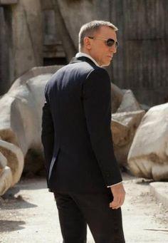 Delhi Style Blog  James Bond 007 Skyfall Daniel Craig Fashion Review Tom  Ford Marko Sunglasses 6b5dbdd57f17