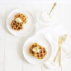 Potato Cheddar Chive Waffles with a vegan option: such a great way to use up leftover mashed potatoes after the holidays!