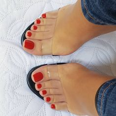 Only sexy feet Pretty Toe Nails, Cute Toe Nails, Sexy Nails, Sexy Toes, Pretty Toes, Pies Sexy, Feet Nail Design, Red Toenails, Toe Nails Red