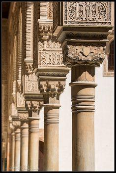 Columnas del Patio de los Arrayanes  #laAlhambradeldia 121  http://www.flickr.com/photos/salvadorfornell/8099804768/  www.salvadorfornell.com
