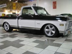 '71-'72 Chevy C-10. I like the wheels and stance!