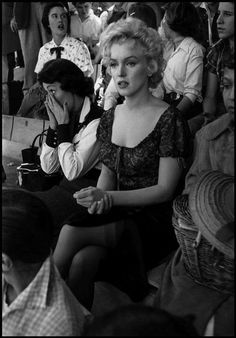 BUS STOP - Marilyn Monroe shoots a scene at the RCA-Approved Rodeo in Phoenix, Arizona - Directed by Joshua Logan - Century-Fox. Marilyn Monroe, Dennis Stock, Actor Studio, Hollywood, Bus Stop, Norma Jeane, Magnum Photos, Rare Photos, Classic Beauty