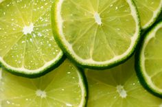 pictures of sliced limes.  and oranges.  and lemons.  #limes
