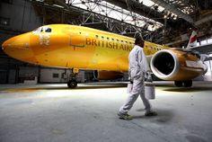 """El avión \""""Luciernaga\"""" que llevará la llama de las olimpiadas"""