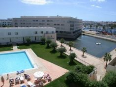 2 bedroom apartment in Lagos Marina, Algarve, Portugal - Two bedroomed apartment with 1 bathroom ensuite and another shower room, large lounge, diner; kitchen and terrace over looking the communal pool.  Situated on the marina of Lagos this apartment is an excellent investment and has good rental history. - http://www.portugalbestproperties.com/component/option,com_iproperty/Itemid,7/id,270/view,property/#