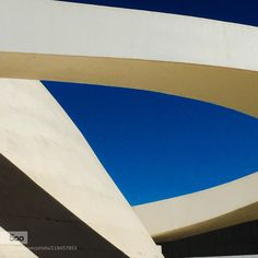Curvas de Niemeyer - Pinned by Mak Khalaf Abstract AbstratoBrasíliaCurvasMuseu da RepúblicaOscar NiemeyerSky by EDISOUZA More Photos, Curves