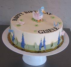 Jemima Puddle Duck cake (Beatrix Potter).  Precious!