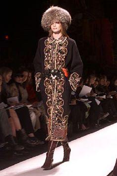 OSCAR DE LA RENTA coats RUNWAY 10US,beads embelished swakara persian embroidered #OscardelaRenta #BasicCoat