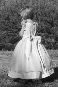 First Holy communion dresses :silk organza ruffled sleeves dress #communion. Design by littleeglantine.com