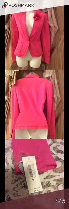 NyGard collection women's Blazer New with tags....this Blazer is Gorgeous! Size 8 Made with 55% SIlk 45% RAYON fully lined in the inside. NYGARD Jackets & Coats Blazers