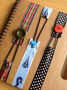 90 fresh bookmark ideas for enthusiasts .- 90 fresh bookmark ideas for enthusiastic bookworms Diy Bookmarks, How To Make Bookmarks, Ribbon Bookmarks, How To Make Buttons, Bookmark Ideas, Bookmark Craft, Felt Crafts, Fabric Crafts, Sewing Crafts