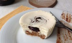 Cake with olives and feta - Clean Eating Snacks Healthy Cheesecake, Cheesecake Cupcakes, Cheesecake Recipes, Sweet Desserts, Healthy Desserts, Sweet Recipes, Delish Cakes, Cold Cake, Zucchini Cake