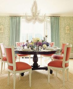 Fun and chic dining area from Ashley Whittaker Design! #laylagrayce #diningroom