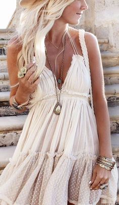 robe hippie chic, une boho robe originale                                                                                                                                                                                 More