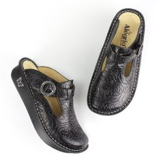 Alegria Classic Black Embossed Rose Clog ALG-531 by PG Lite. Black Emboss Rose Leather upper Alegria Classic Clog with rocker outsole and removable footbed.