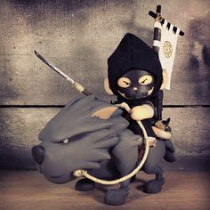 Huck Gees ?Wolf Rider (Black Edition)? Custom Munnys!