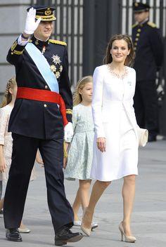 King Felipe VI and Queen Letizia of Spain - Doña Letizia, una Reina de blanco y de Varela