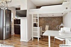 loftsäng,kontor,väggfäste tv