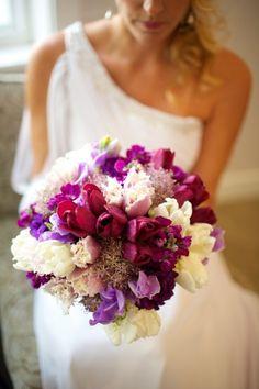 Bright flowers: http://www.stylemepretty.com/destination-weddings/2014/10/30/contemporary-maui-wedding-at-sugar-beach-events/ | Photography: Anna Kim - http://annakimphotography.com/