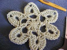 free Japanese flower crochet tutorial