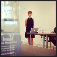 Vortrag von Bloggerin Mia Bühler von uberding.net bei #meetmerano