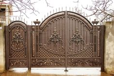 Wonderful Front Door Design Ideas - Engineering Discoveries Whilst historical inside thought, the pergola is House Main Gates Design, Front Gate Design, Door Gate Design, Gate Designs Modern, Steel Gate Design, Metal Gates, Iron Gates, Classic House Design, Design Ideas