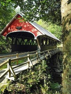 Flume covered bridge in Franconia Notch State Park, New Hampshire. Franconia Notch State Park is located in the White Mountains in northern New Hampshire. Photo by Beautiful World, Beautiful Places, Simply Beautiful, Franconia Notch, Old Bridges, Old Barns, Covered Bridges, New Hampshire, Architecture