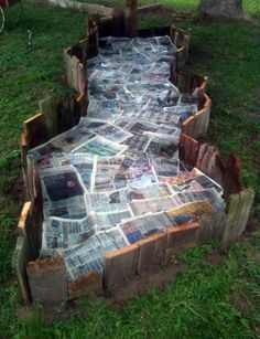 Life's Casual Observer: Fun Garden Beds.....lay 4-8 sheets of newspaper down before mulch to keep weeds away.
