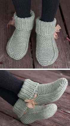 Knitting Socks, Knitting Stitches, Free Knitting, Baby Knitting, Knitting Machine, Beginner Knitting Patterns, Easy Knitting Patterns, Knitting Projects, Knit Slippers Free Pattern