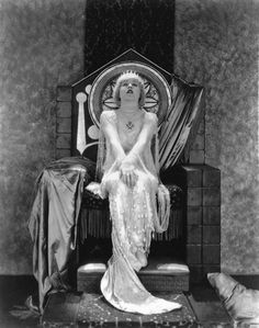wehadfacesthen: Mae Murray in a publicity shot for MGM's Altars of Desire (Christy Cabanne, photo by Ruth Harriet Louise via vintage. Harlem Renaissance, Art Deco, Mae Murray, Silent Film Stars, Movie Stars, Old Hollywood Glamour, Classic Hollywood, Vintage Beauty, Occult
