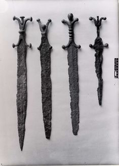 Iron sword with a cast bronze anthropoid hilt. The hilt was cast in three separate sections with the head securing them onto the tang. This early examples is extremely stylised demonstrating how it was developed from earlier 'antennae' hilt shapes. Celtic Sword, Viking Sword, Historical Artifacts, Ancient Artifacts, Pictish Warrior, Sword Hilt, Little Man Style, Celtic Warriors, Celtic Culture